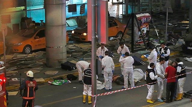 Исполнителями теракта в Стамбуле оказались двое россиян