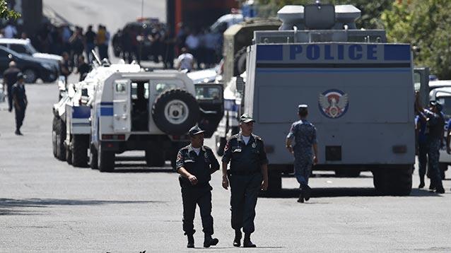 Власти Армении поставили ультиматум захватчикам здания ППС