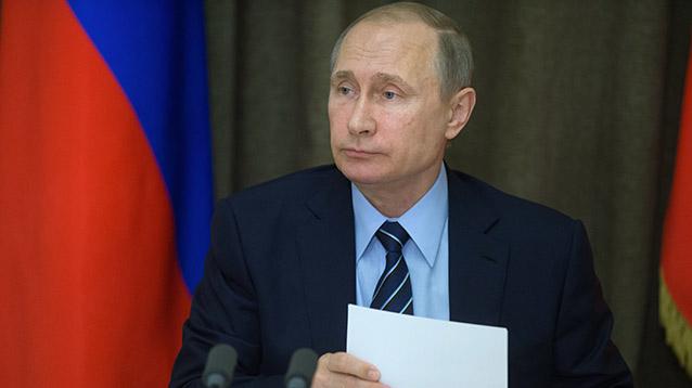 Путин подписал пакет антитеррористичеcких законов, внесенный Яровой и Озеровым