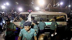 Ответственность за захват заложников в Дакке возложили на ИГ: есть погибшие и раненые