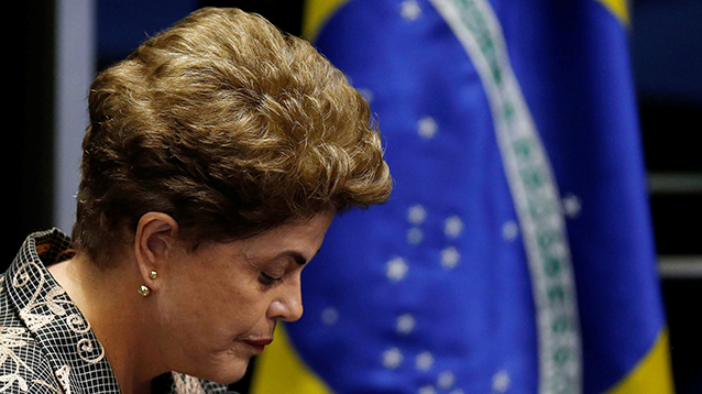 Президенту Бразилии Дилме Русеф объявлен импичмент