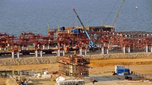 """США ввели санкции против """"Газпром-медиа"""" и строителей моста в Крым"""