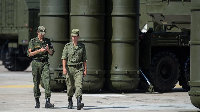 """Минобороны подтвердило доставку """"переполошившей"""" Запад батареи С-300 в Сирию"""