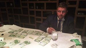Бизнесмен, передавший взятку Белых, раскрыл подробности работы с ФСБ