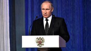 """Путин поручил усилить безопасность """"внутри РФ и вовне"""" в связи с терактами в Анкаре и Берлине"""