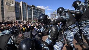 """Второй полицейский, пострадавший на акции 26 марта, оказался потерпевшим по """"болотному делу"""""""