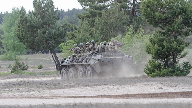 """Украину поразил """"афганский синдром"""": 500 солдат покончили с собой по прибытии из Донбасса"""