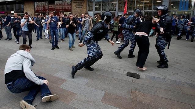 В Москве  и Петербурге прошли жесткие задержания участников протестных акций