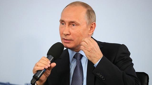 """Путин рассказал металлургам о Трампе: умеет слушать и не """"лепит горбатого"""""""