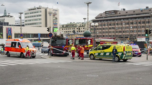 В финском Турку вооруженный ножом мужчина напал на прохожих
