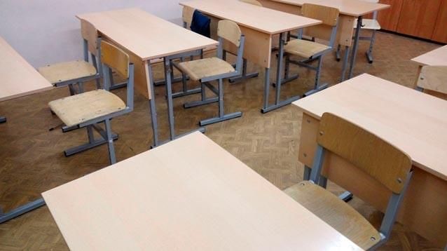 Поборы в школах: в Забайкалье учебники дают в аренду, в Татарстане требуют 16 кг картошки