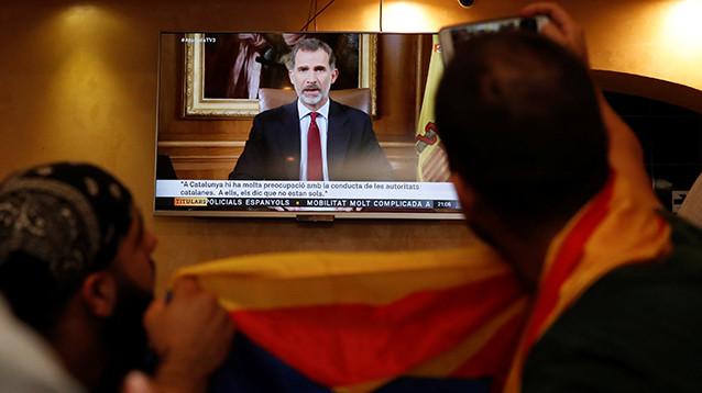 Король Испании осудил власти Каталонии после референдума