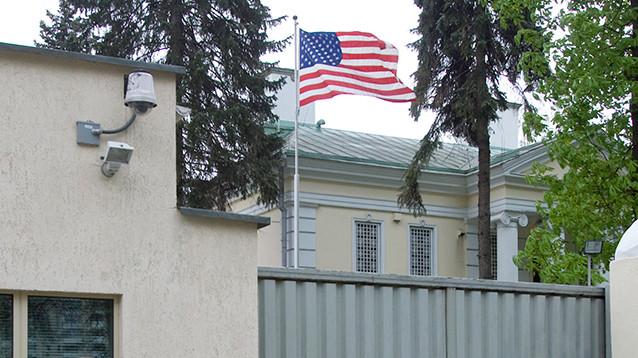 В посольствах США в странах СНГ образовались очереди за визами из-за наплыва россиян