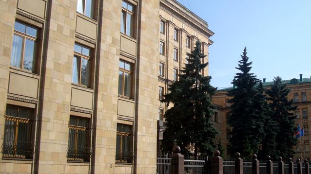 """""""Артдокфест"""" продолжит показывать кино в посольстве Чехии, вход - по паспортам"""