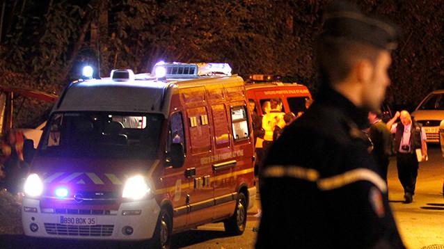 Во Франции поезд столкнулся со школьным автобусом: погибли четыре подростка