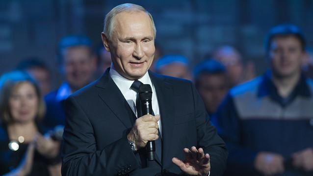 """""""ГАЗ за вас"""": Путин наконец объявил, что баллотируется в президенты (ВИДЕО)"""