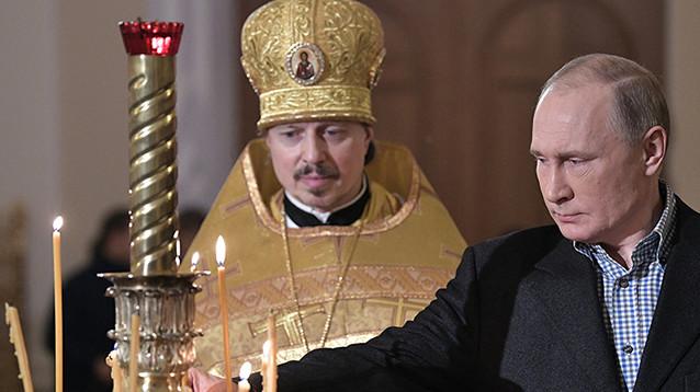 Песков разъяснил путаницу в СМИ о месте крещения родителей Путина