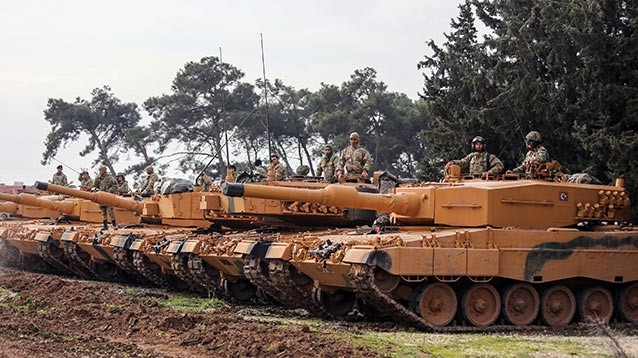 Курды готовятся перебросить дополнительные силы в Африн после обстрела региона Турцией