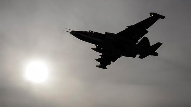 Российские военные ликвидировали 30 боевиков в районе крушения Су-25 (ВИДЕО)