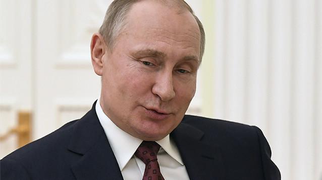 TIME поместил на обложку Путина с короной на голове