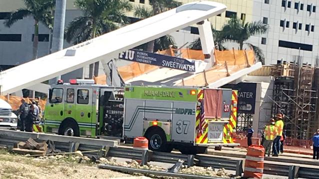 В Майами пешеходный мост рухнул через пять дней после открытия: сообщается о жертвах