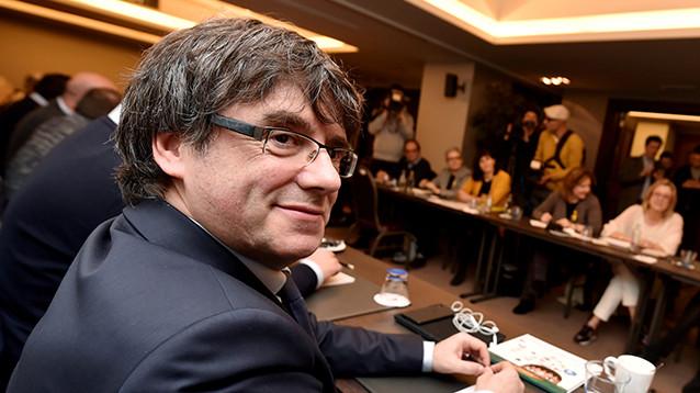 Суд в ФРГ разрешил выпустить экс-главу Каталонии под залог до решения об экстрадиции