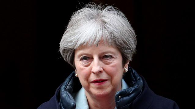 BBC: премьер Британии готова поддержать удары по Сирии, не советуясь с парламентом