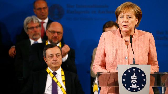 Меркель призвала Европу не полагаться на военную защиту США