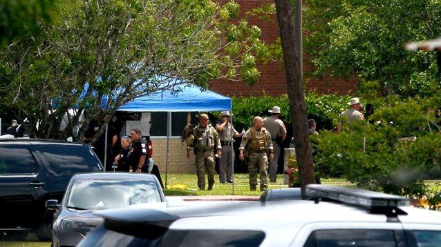 Стрельбу  в школе  Санта-Фе устроил местный ученик: он ходил в футболке c надписью Born to kill