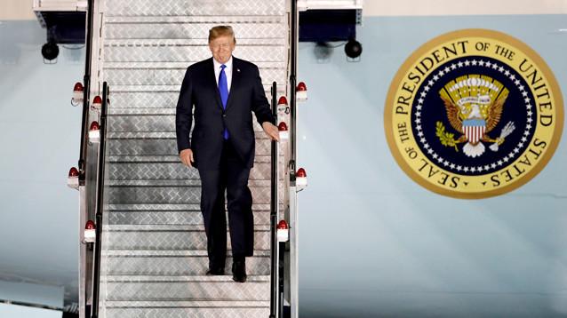 Трамп вслед за Ким Чен Ыном прилетел в Сингапур для исторической встречи