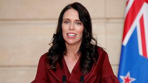 Премьер-министр Новой Зеландии родила ребенка. Но она не первая такая