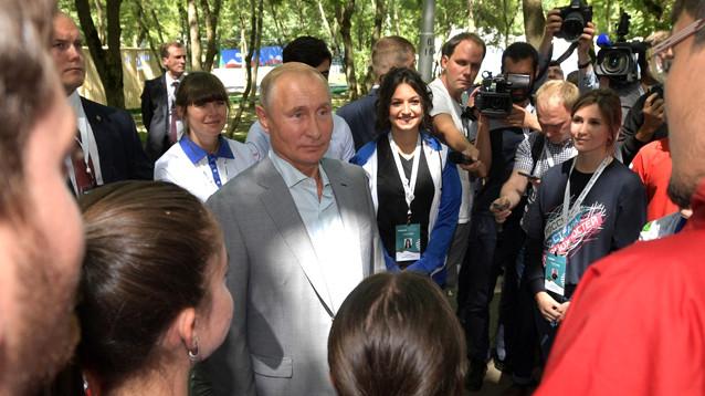 Путин посетовал на недостаток позитива в соцсетях