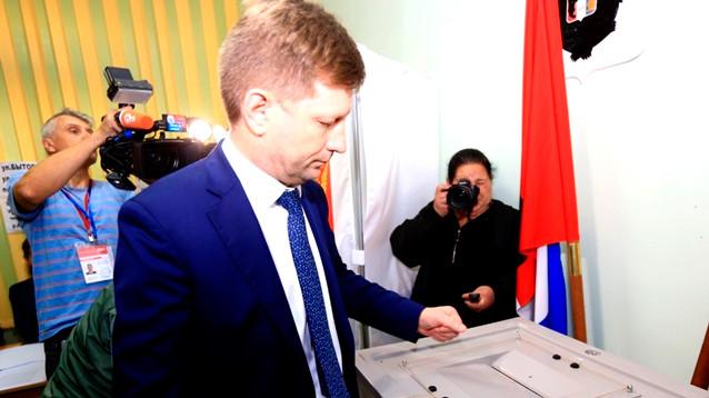 Представитель ЛДПР уверенно лидирует  на выборах губернатора Хабаровского края