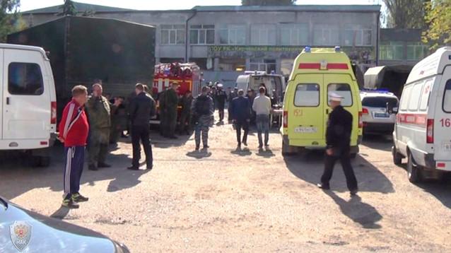 Взрыв и стрельба в политехническом колледже в Керчи: 19 погибших, десятки пострадавших (ВИДЕО)