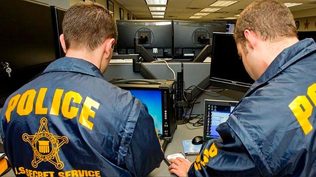 Неизвестные послали по почте бомбы Клинтонам, Обаме и Соросу