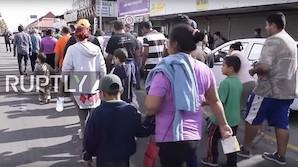 В караван мигрантов внедрились агенты США, следящие за перепиской и планами беженцев
