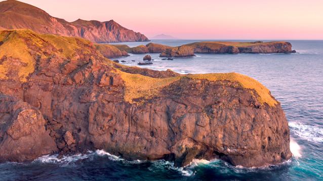 Большинство японцев хотело бы сфокусироваться на возвращении двух островов