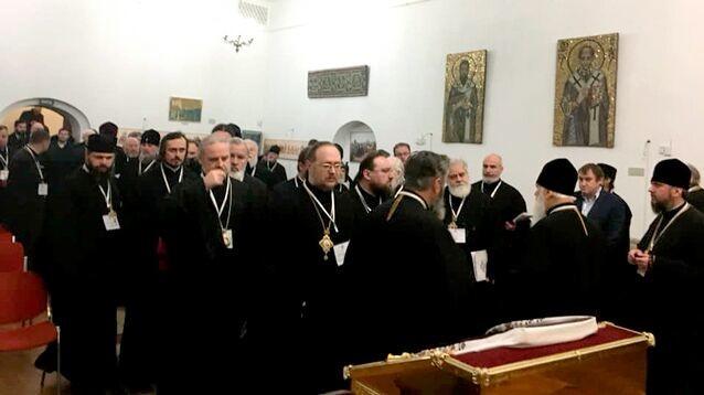 В Киеве проходит объединительный собор, на котором изберут главу новой украинской церкви