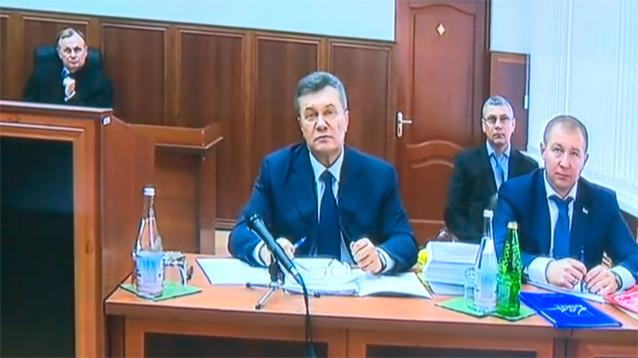 Суд в Киеве приговорил экс-президента Януковича к 13 годам тюрьмы за госизмену