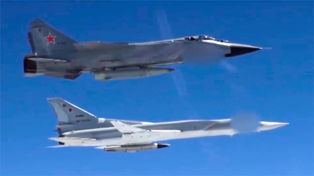 """Путин в послании пригрозил США новейшими ракетами, способными поразить их """"центры принятия решений"""""""
