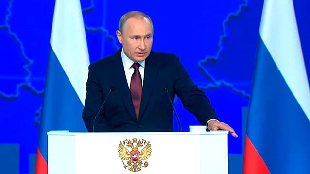 """15-е послание Путина: от президента ждали, что он скажет """"про людей"""", и он не подвел, ведь рейтинги падают"""