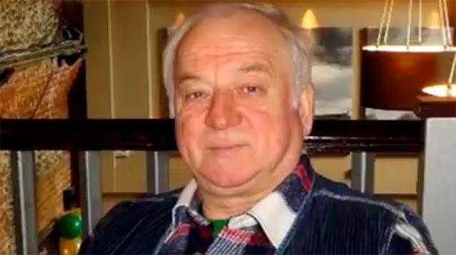 Атаке на Скрипалей почти год: экс-полковнику ГРУ стало хуже, на Солсберийском соборе вывесили триколор (ФОТО)