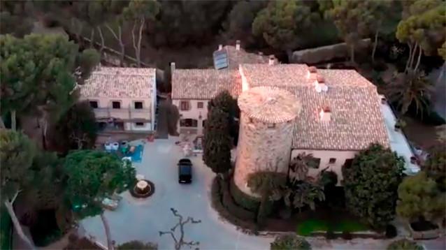 """Журналисты нашли элитный испанский поселок, в котором обосновались друзья и родственники главы """"Ростеха"""""""