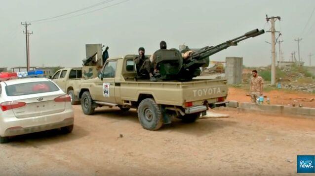 В Ливии в ход пошла авиация, сообщается о жертвах среди мирных жителей