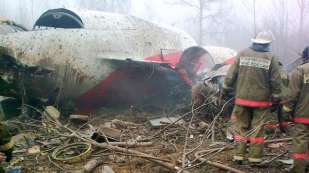 """""""Его взорвали"""": Минобороны Британии объявило причину катастрофы самолета президента Польши"""