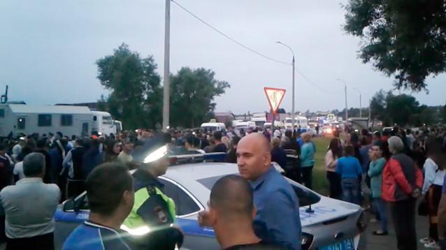 Столкновения на национальной почве под Пензой: сотни жителей пошли на цыган из-за поруганных девушек, есть убитые (ВИДЕО)