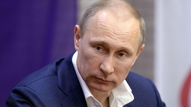 """Новая методика опросов с """"подыгрыванием"""" не помогла: рейтинг Путина по-прежнему падает"""