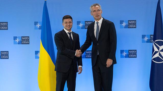 Зеленский в Брюсселе заявил о готовности к переговорам с РФ и выполнению Минских соглашений