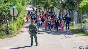 Из США будут депортировать по-новому - быстро, без судов и адвокатов