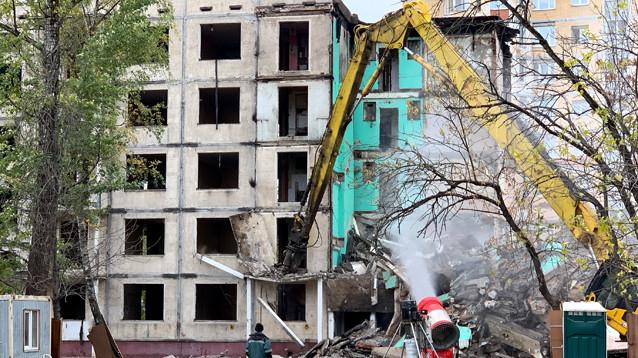 В Москве начали принудительно выселять жителей пятиэтажек, сносимых в ходе реновации